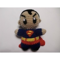 SUPERMAN (AMIGURUMI)